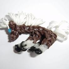 koník z gumiček